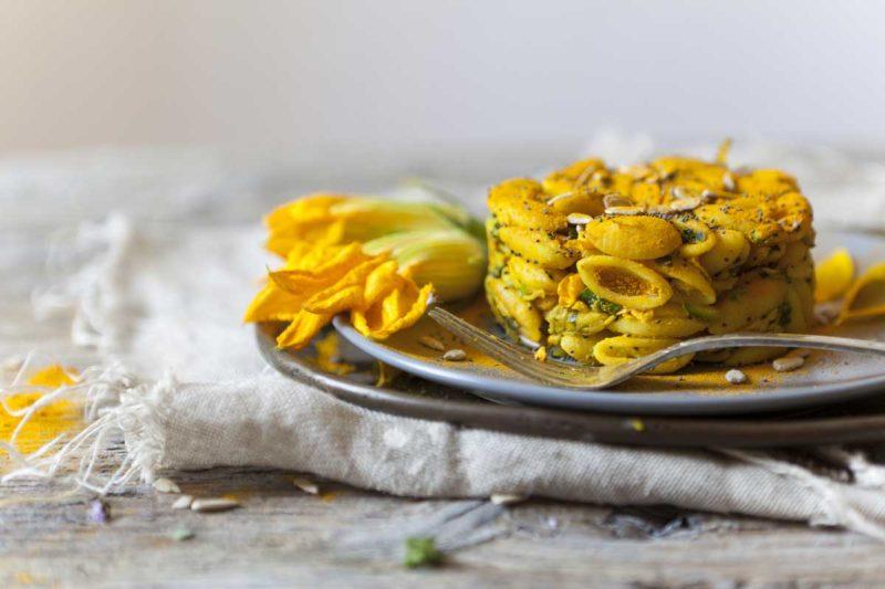 Gnocchi sardi Etna con fiori di zucca